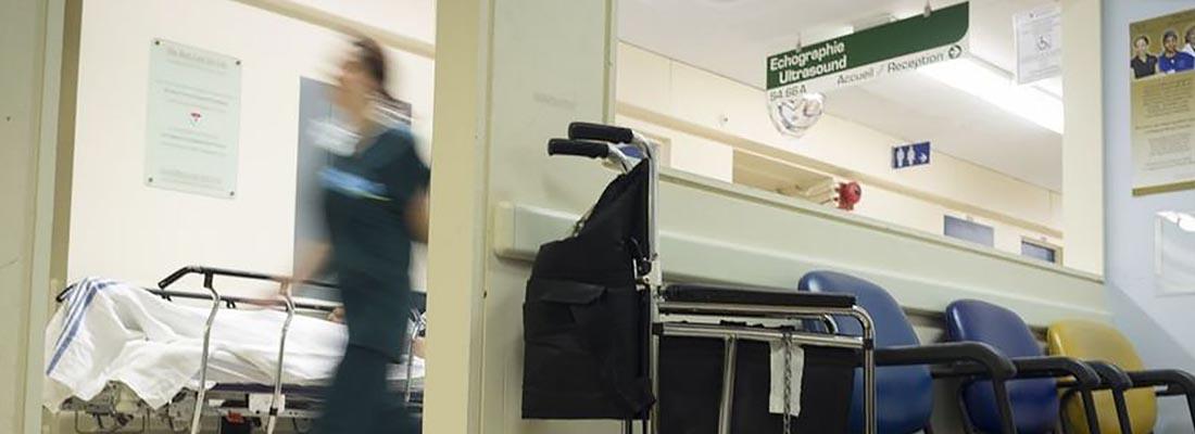 Union gives out heartbreak badges symbolizing nurses' overwork