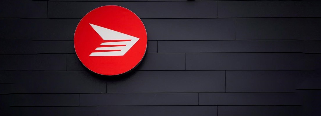 Arbitrator awards rural Canada Post carriers pay hike of up to 25 per cent